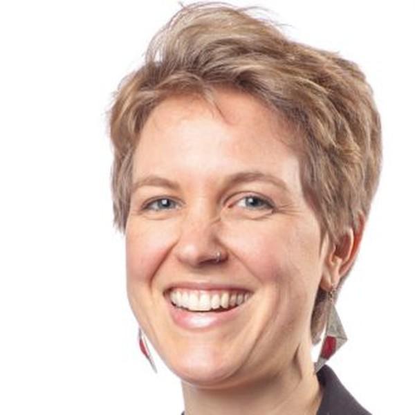 Claire Graser